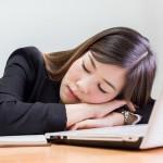 突然眠気に襲われる「ナルコレプシー」ってどんな病気?